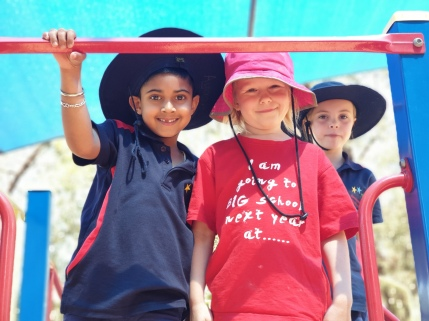 Hats are worn in Term 1 and 4.